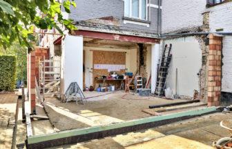 借地上の家を建て替える際に知っておくべき注意点とは